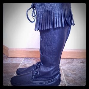 Minnetonka leather front lace Knee high boots,  8